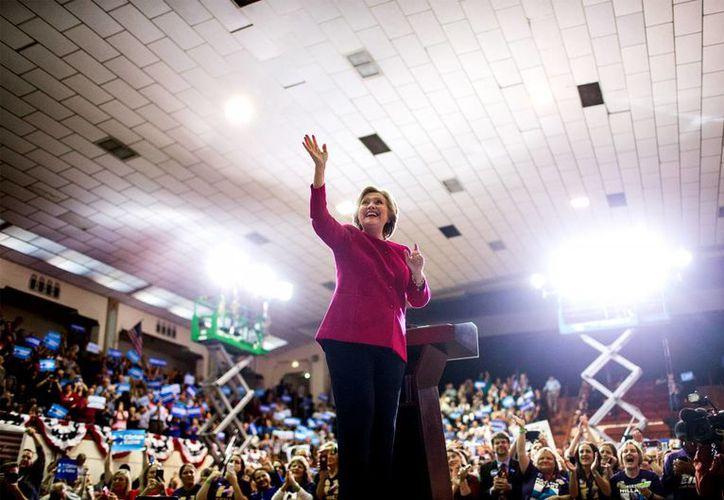 WikiLeaks asegura que la información que divulgará en las próximas semanas no afecta a la candidata demócrata Hillary Clinton. (Sean Simmers/PennLive.com via AP)