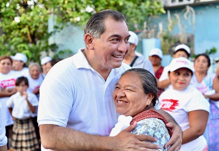 El candidato del PRI indicó haber sido uno de los primeros aspirante políticos a en hacer pública su declaración 3 de 3. (Milenio Novedades)