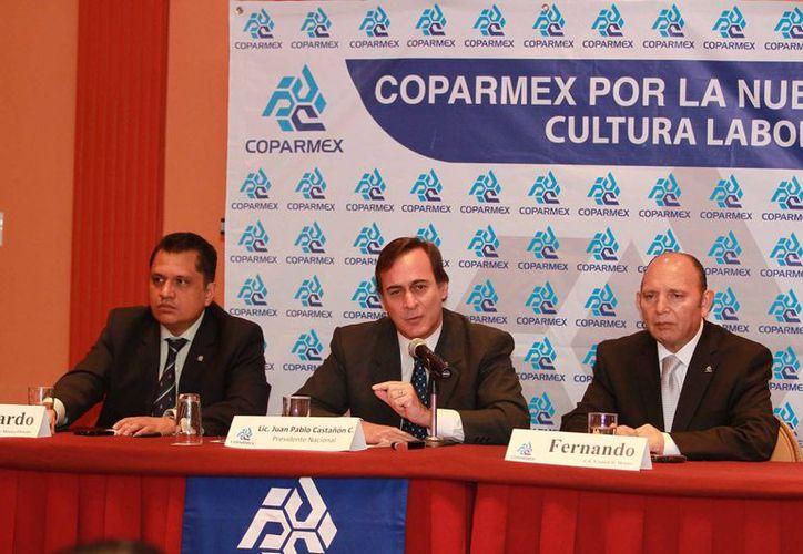 El presidente de la Coparmex, Juan Pablo Castañón, aseveró que el sector ya está listo para iniciar las negociaciones con los trabajadores y las autoridades. (Notimex)