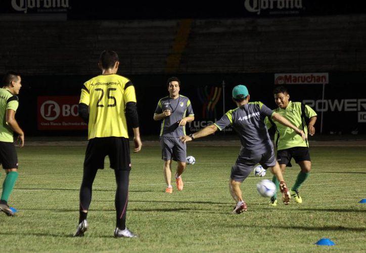 Los astados regresaron a los entrenamientos de cara al próximo torneo de la Liga de Ascenso. (Jorge Acosta/SIPSE)