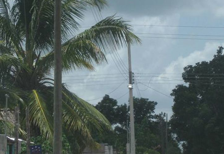 El sol y las lluvias dañan las fotoceldas. (Javier Ortiz/SIPSE)