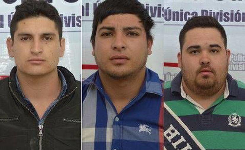 Los 3 detenidos tras los disparos que cobraron la vida de un adolescente en un concierto de Alfredito en Chihuahua son: Luis Octavio Guirado Ochoa, de 21 años; Luis Fernando Ramírez Rodríguez, de 20 y Javier Adrián Ramírez Rodríguez, de 21. (Cortesía)