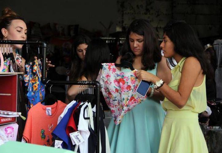 Ventas diarias por 400 millones de pesos en promedio se esperan para el sector comercio, servicios y turismo en Yucatán durante la ventas decembrinas que arrancan este jueves y fenecen el próximo 6 de enero. (Foto de archivo de SIPSE)