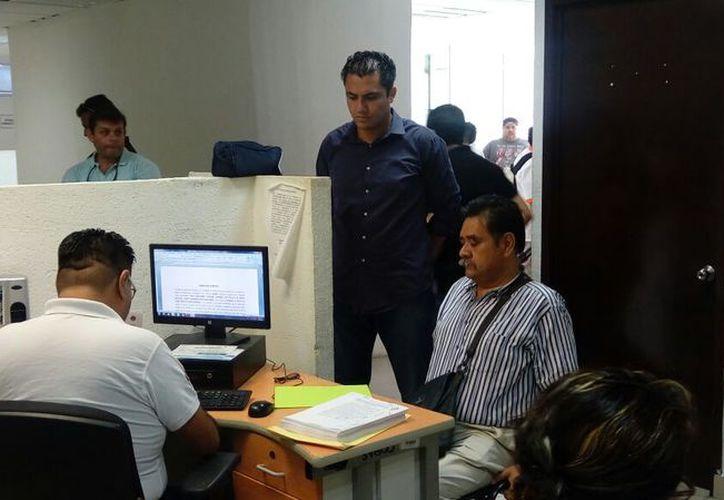 El regidor Antonio Meckler, puso una denuncia por el delito de desempeño irregular de la función pública. (Foto: Eric Galindo)