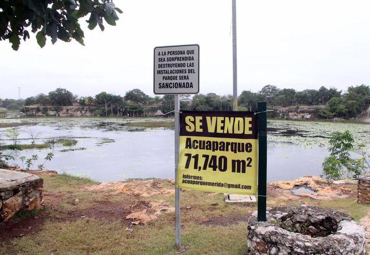 Este martes el Acuaparque, ubicado en el oriente de Mérida, salió a la venta. (José Acosta/SIPSE)