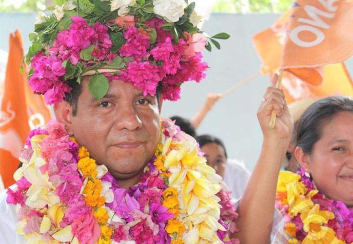 Vecinos de Acatepec sacaron del lugar a Mario Ramírez Vite, a quien calificaron de sinvergüenza, por exigir a la gente que le regresen el dinero que invirtió en la compra de votos. (zunoticia.com)