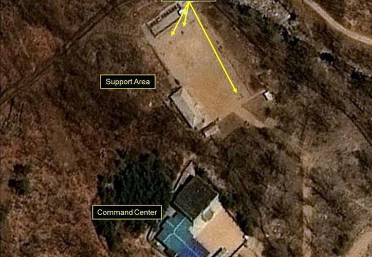 """Las imágenes analizadas este jueves por la web 38north, muestran que en la base de Punggye-ri hay """"persistente actividad en el portal norte"""", donde se realizaron las últimas pruebas norcoreanas. (El Clarín)"""