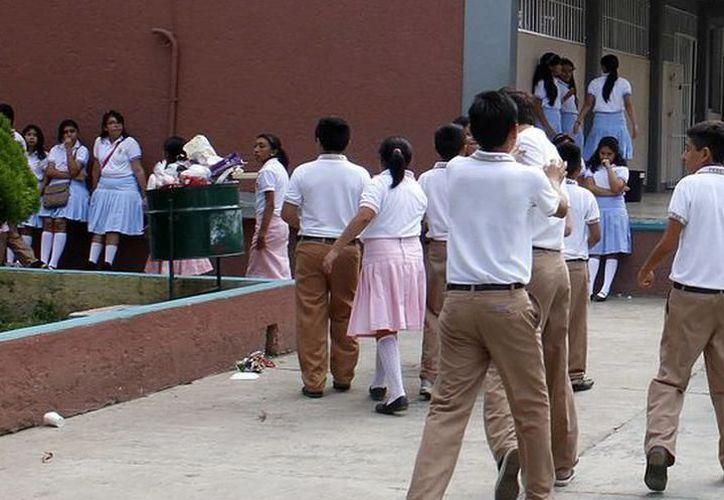 Refuerzan la prevención en los planteles escolares. (Archivo/SIPSE)