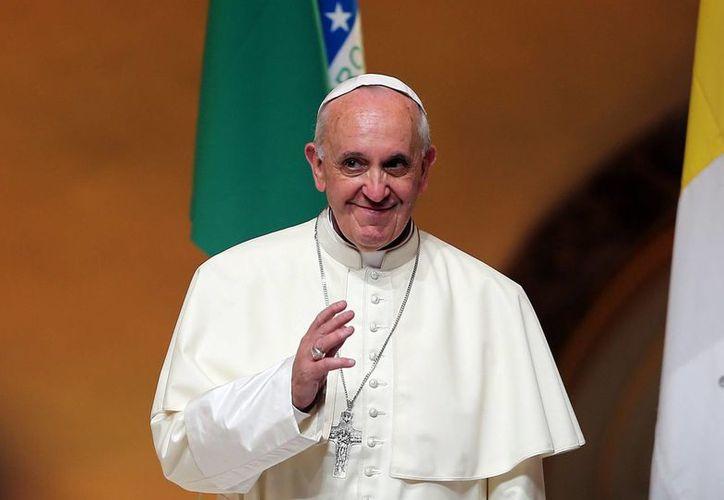 Jorge Mario Bergoglio se mostró preocupado por el desperdicio de  un tercio de los alimentos producidos en el mundo. Califica como esencial reducir esta cantidad. (EFE)