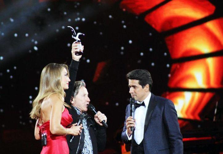El venezolano Ricardo Montaner fue recibió los dos premios más importantes del festival, que son otorgados por el público.(Notimex)