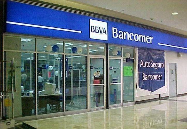 Los bancos cierran sus puertas este 3 de febrero, pero los que se ubican en centros comerciales operarán de forma habitual. (Archivo/SIPSE)