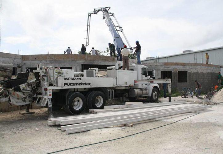 Los costos de construcción han disminuido porque se ha recibido el apoyo de empresas. (Irving Canul/SIPSE)