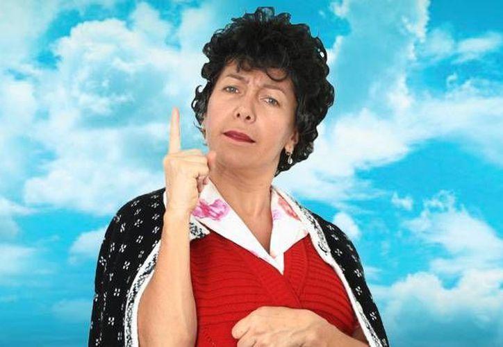 """Mara Escalante y su personaje de """"Doña Lucha"""" son parte del cartel del carnaval. (Cortesía/SIPSE)"""