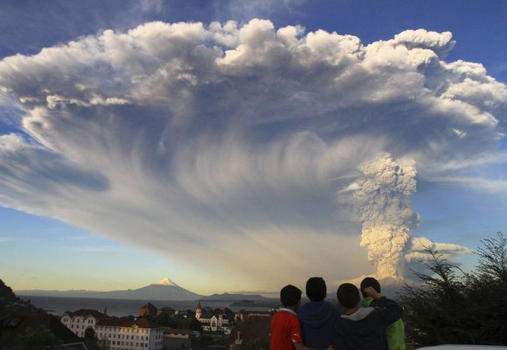 El volcán Calbuco pasó más de cuatro décadas inactivo. (AP)