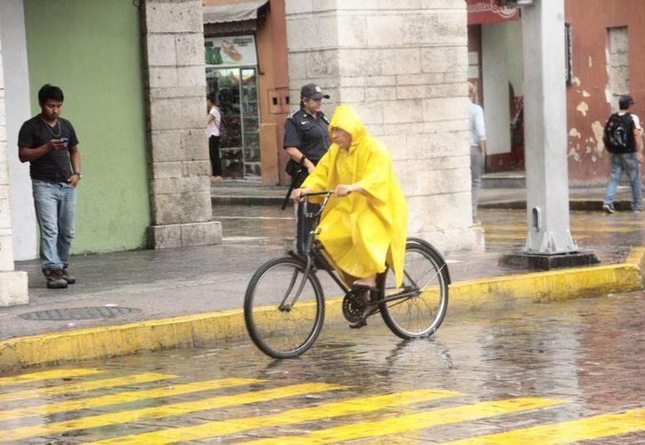 La intensa lluvia del domingo en Mérida superó la que cayó durante 2 meses en toda la ciudad, según los récords de la Conagua. (Jorge Acosta/SIPSE)