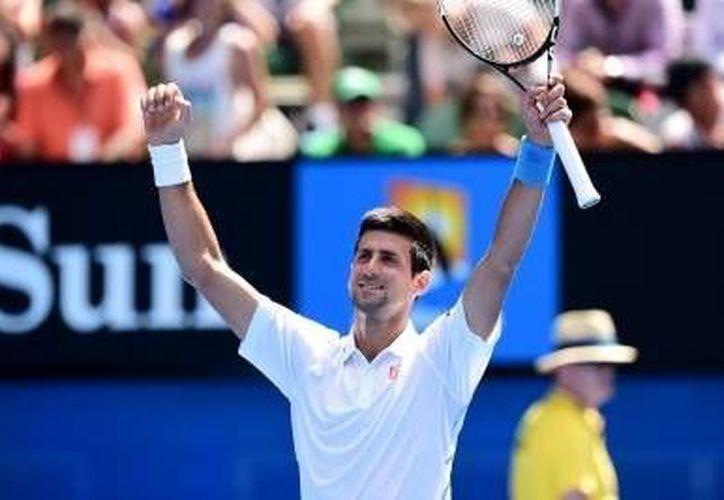 Novak Djokovic y Roger Federer se enfrentarán el domingo por el título del Abierto de Italia. (Fotografía: Notimex)