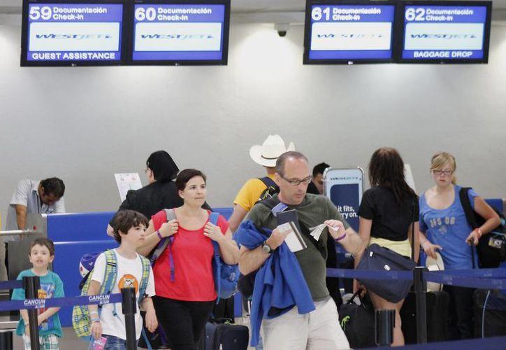 La llegada de nuevos vuelos genera crecimiento turístico en el estado. (Jesús Tijerina/SIPSE)