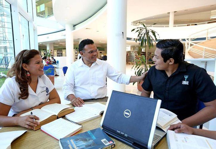 Rolando Zapata Bello conoció de cerca la problemática de los universitarios. (Milenio Novedades)