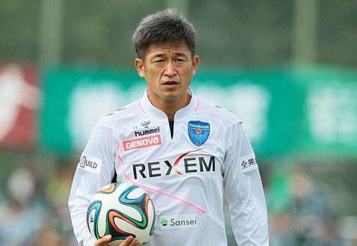 Kazuyoshi Miura está cerca de cumplir 50 años de edad y de esta manera establecerá el récord del futbolista más veterano en jugar en la Liga de Japón. (Foto tomada de Futbol Total)