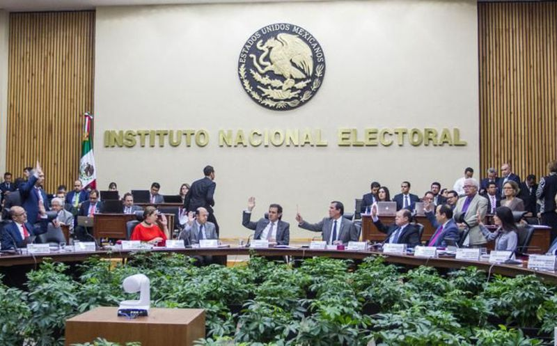 El Consejo General del Instituto Nacional Electoral (INE) aprobó en sesión extraordinaria diversos ajustes a los tres debates presidenciales. (Foto: UnoTV)