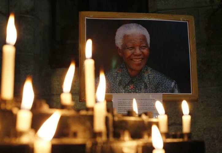 Mandela está hospitalizado en el Medi-Clinic Heart Hospital de Pretoria desde el 8 de junio. (EFE)