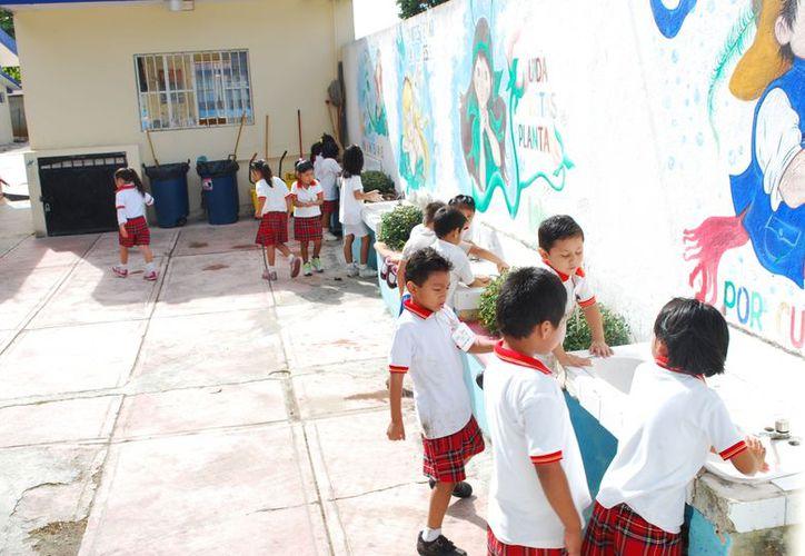 Ante la demanda de espacios en escuelas de preescolar se construirán tres planteles en el norponiente de Cancún. (Tomás Álvarez/SIPSE)