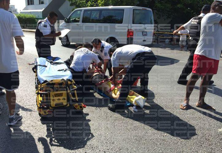Una menor de seis años, resultó con mayores lesiones. (Luis Hernández)