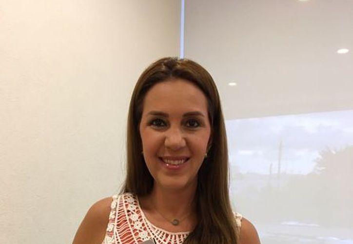 Trixia Valle escribió sobre la importancia de los diversos tipos de madres de acuerdo con su edad. (Foto: Alejandra Carrión/SIPSE)