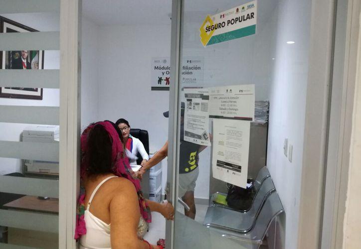 La paciente lamentó que desde el pasado viernes no dejan salir del Hospital General de Playa del Carmen. Foto: Adrián Barreto