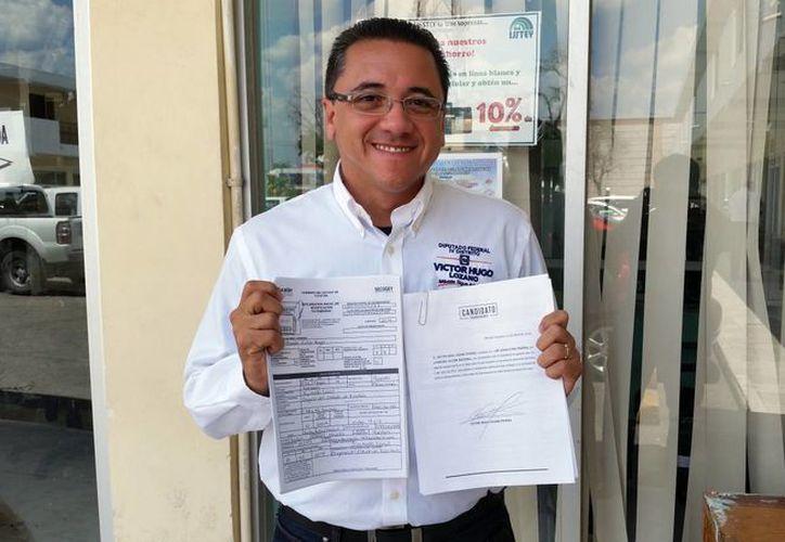 Víctor Hugo Lozano Poveda cumplió con la iniciativa '3 por 3'. (Milenio Novedades)