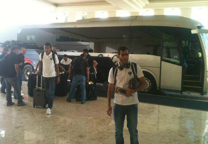 Los Rayados ya llegaron al Hotel Iberostar. (@MonterreyCF/Twitter)