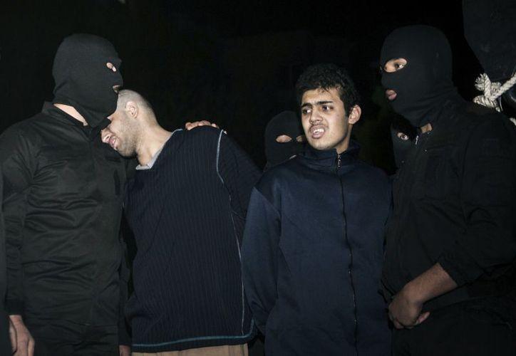 Los dos iraníes, de 24 años, fueron hallados culpables de 'librar una guerra contra Dios' y ejecutados públicamente. (Agencias)