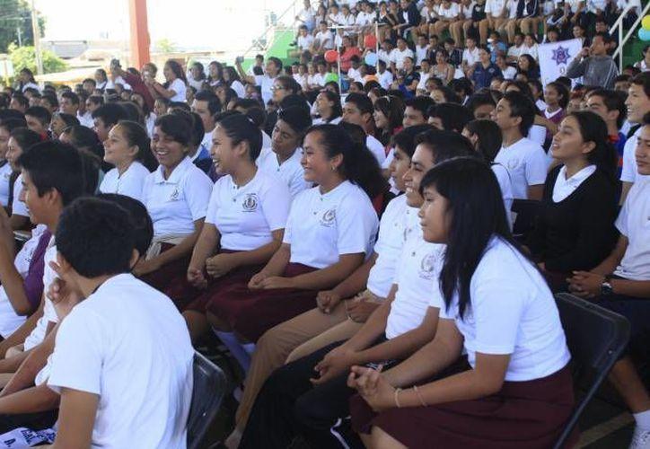 Más de cuatro mil 500 jóvenes de secundaria y preparatoria participarán en el programa de concientización. (Redacción/SIPSE)