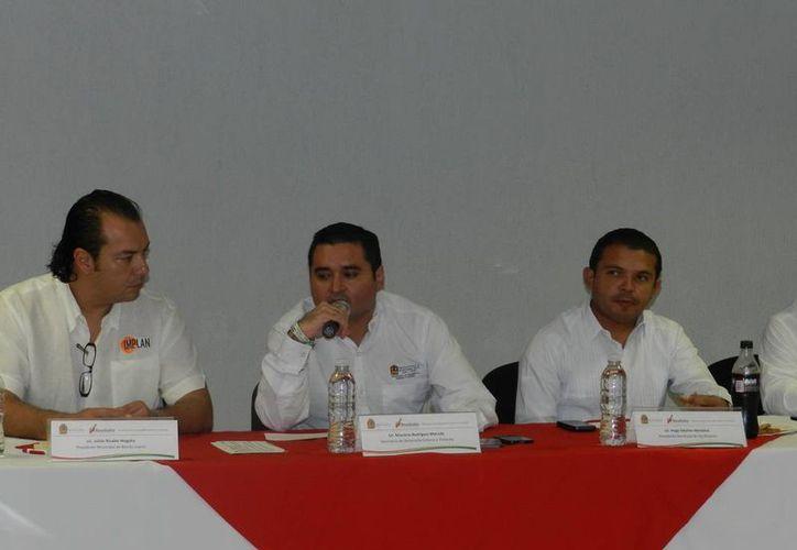 El secretario de Desarrollo Urbano y Vivienda, Mauricio Rodríguez Marrufo, presidió la Tercera Reunión del Consejo Metropolitano. (Redacción/SIPSE)