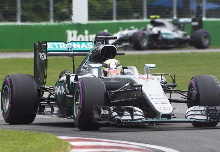 El piloto de Mercedes Lewis Hamilton tuvo un tiempo de 1:12.812 durante la clasificación del Gran Premio de Montreal, el cual se realizará este sábado. (AP)