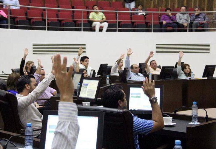 El Congreso del Estado de Yucatán tiene hasta el próximo martes 15 de diciembre para aprobar el Paquete Fiscal correspondiente a 2016. Este martes aprobó la primera parte del mismo. (SIPSE)