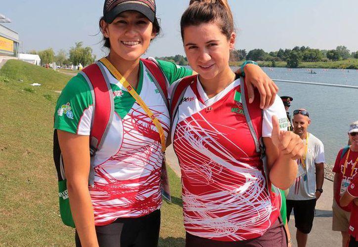 La dupla conformada por Karina Alanís y Maricela Montemayor lograron subir al podio en la competencia de K2 500 canotaje, consiguiendo de esta manera la medalla número 27 de la delegación mexicana en los juegos panamericanos 2015. (Conade)