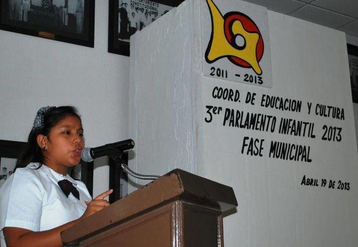 Mariana Cauich Dzib participará en el Parlamento de los Niños y Niñas 2013, se llevará a cabo el próximo martes 30 de abril en el Congreso del Estado. (Redacción/SIPSE)