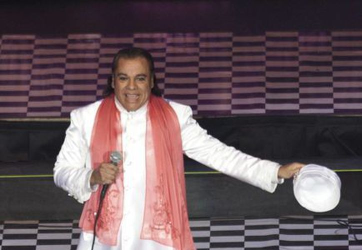 La familia de Juan Gabriel aseguró que el cantante no sufre ninguna enfermedad maligna. (AP)