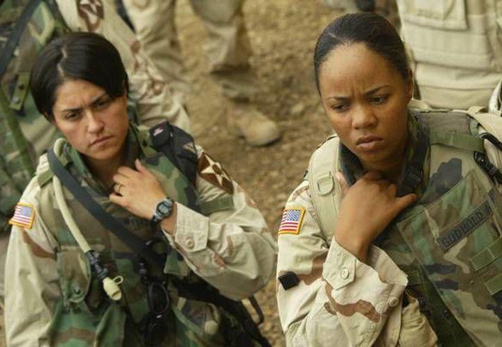 El año pasado, los mandos del Pentágono firmaron una orden para que las mujeres tuvieran las mismas oportunidades que los hombres en combate. (Archivo/AFP)