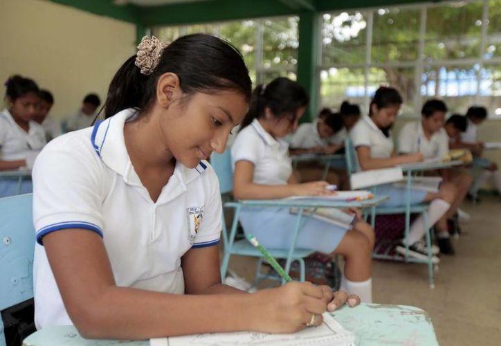 Los alumnos deberán de presentar sus exámenes bimestrales antes de salir de vacaciones. (Redacción/SIPSE)