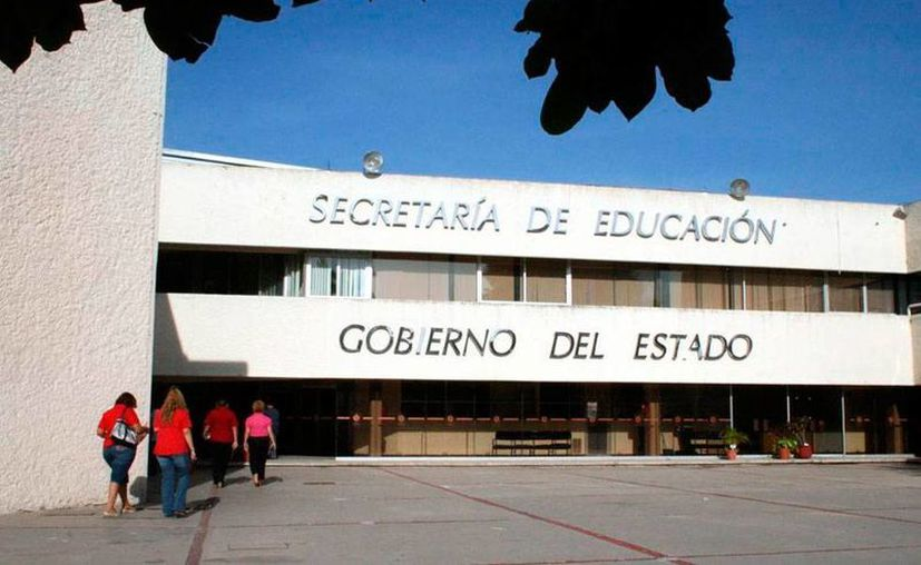 Maestros denunciaron anomalías en la asignación de horas y plazas la Dirección de Secundaria de la Secretaría de Educación, cuya sede se ve en la imagen, utilizada sólo como contexto. (SIPSE)