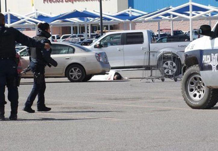 El priista, baleado frente a un supermercado, participaba en actividades en defensa del medio ambiente. (Juan José García Amaro/Milenio)