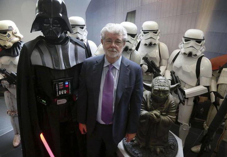 El cineasta californiano George Lucas ha hecho fuertes críticas sobre la cinta 'Star Wars. El despertar de la fuerza', la cual fue producida por Disney y dirigida por  J. J. Abrams. (Archivo AP)