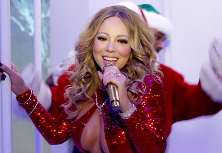 Las notas altas y agudas de la cantante seguían sonando a pesar de que el micrófono no estaba en su sitio. (Internet)