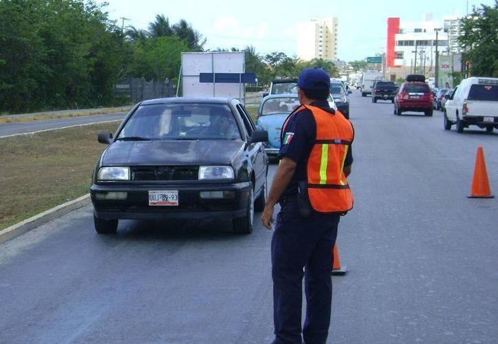 La corporación policíaca implementó puntos de revisión en sitios estratégicos. (Cortesía/SIPSE)