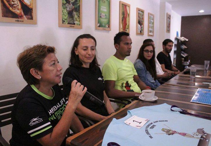 Los organizadores y patrocinadores presentaron el evento. (Octavio Martínez/SIPSE)