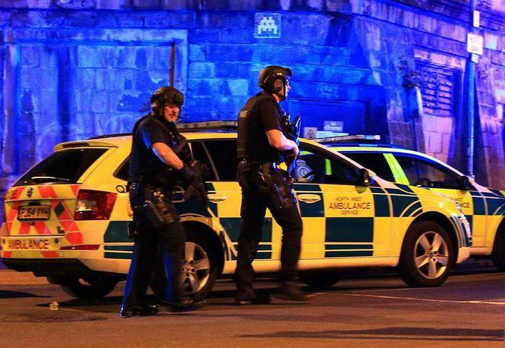"""El mayor nivel de alerta significa que un ataque se puede producir de manera """"inminente"""", por lo que miembros de las Fuerzas Armadas patrullarán junto con la Policía en algunas zonas. (AP)."""