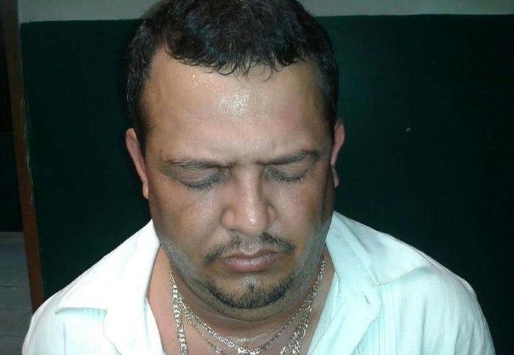 Lázaro Rivadeneyra González (a) 'El Greñas', jefe de plaza del Cártel del Golfo en Playa del Carmen, durante su detención en Mérida. (SIPSE)