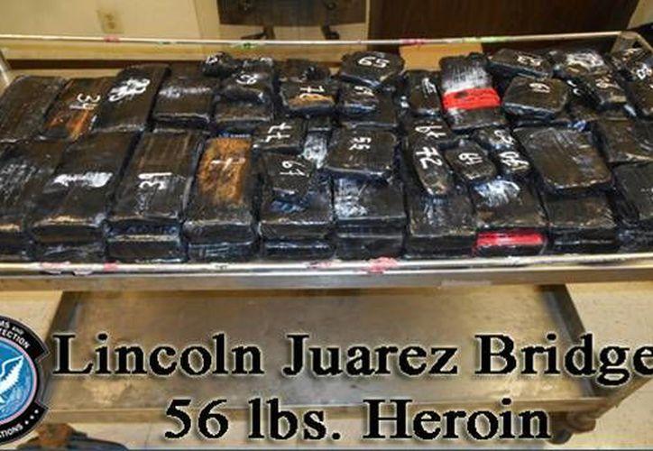 Las personas que transportaban la droga fueron enviadas a una corte federal. (Gráfica tomada del excelsior.com.mx)